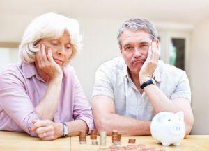 Senior-couple-upset-about-their-savings